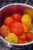 Sauce mit frischen Tomaten (Bildquelle: Henry)