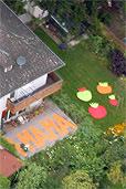 Luftbild der Tomaten und Mama-Schriftzug (Bildquelle: Heimo Pertlwieser)