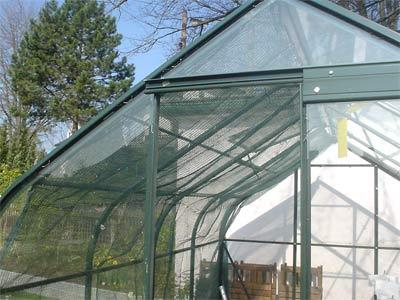Vorhangschattierung im Glashaus (Bildquelle: Henry)